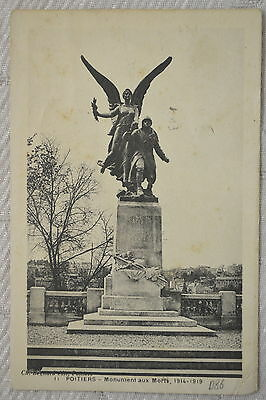 """CPA """" POITIERS - Monument aux Morts, 1914-1919"""