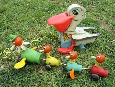 Vintage 1962 FISHER PRICE Gabby Goofies Mama Duck w/(3) Babies Wood Pulltoy