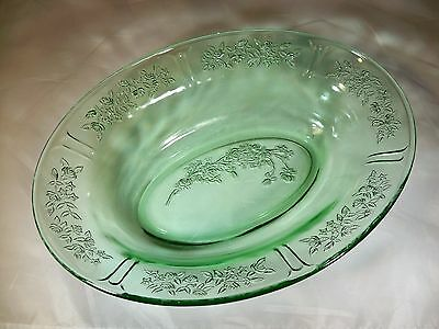 FEDERAL GLASS CO. SHARON CABBAGE GREEN OVAL VEGETABLE or SERVING BOWL!