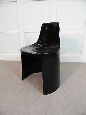 Stylish Vintage Retro Plastic space age chair 1970s Italian ascoli piceno 70s