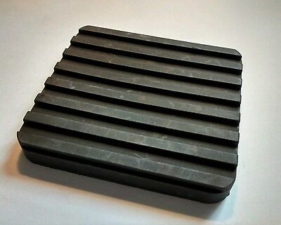 Land Rover Defender Brake Pedal Rubber Pad NRC9224