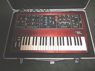 '70s Moog Minimoog Mini Analog Synthesizer Synth Model D w/case and manual