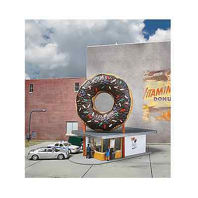 3768 Walthers Cornerstone Hole-In-One Donut Shop HO Scale