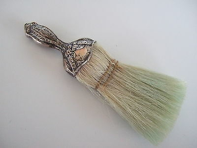 Sterling repousee Art Nouveau clothes brush in floral design – Webster Co.