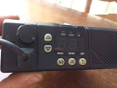 Motorola Gm300 25 Watt Vhf Mobile Taxi Vehicle Or Base Radio