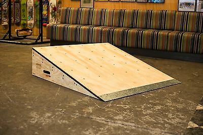 300 mm Wedge ramp ( Skate / Scooter / BMX / Ramps / Jump )