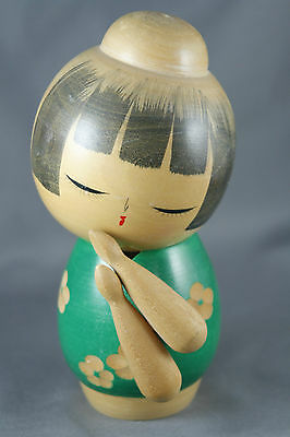 Vintage Creative Kokeshi Doll Green Carved Cherry Blossoms Folded Arms Signed