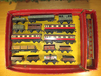 52Fp Lot 16 Vintage Oo/ho Sclae Tin Plate Trix Ttr & Hornby Coaches Freight Cars