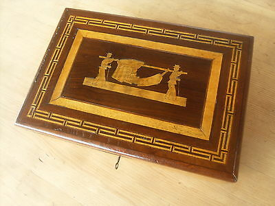Small Antique Wooden Nieve Folk Art Trinket Box / Sewing Box / Colonial Box