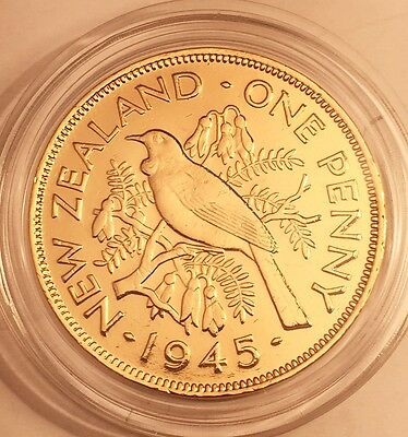 1945 New Zealand One Penny/Coin aUNC 999 24k Gold HGE in Acrylic Capsule. Gift