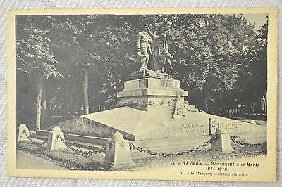 "CPA "" NEVERS - Monument aux Morts"