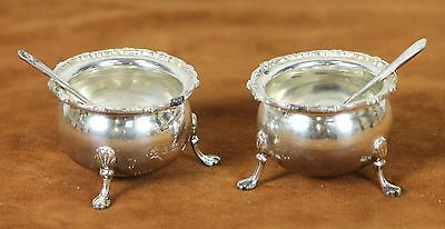 Couple Of Grocers. Silver. England. Early 20Th Century.