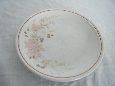 C4 Pottery Boots Hedge Rose Plate 26cm 4F5A