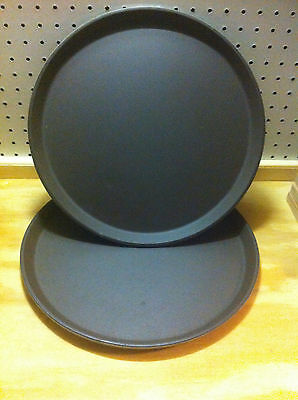 """Cambro Camtread Model 1400CT Tan Tavern Round 14"""" Serving Tray - Lot of 2"""