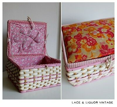PRETTY RETRO vtg 1960s FLORAL 1970s TOP WICKER PLASTIC PINK SEWING BOX BASKET