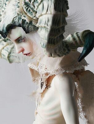 Without wings , designated body BJD 1//3 male Kevin movable fingers face up