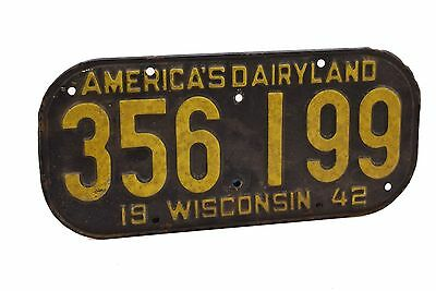 1942 Wisconsin License Plate America Dairyland 356 199