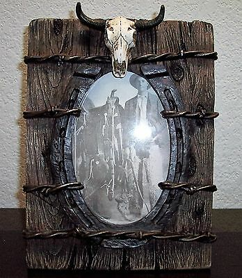 Western Cowboy Picture Frame With Barbed Wire, Horseshoe And Longhorn Skull