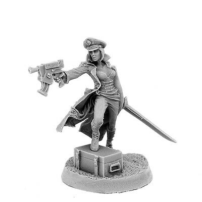 28mm-scale IMPERIAL SOLDIER FEMALE COMMISSAR WITH GUN