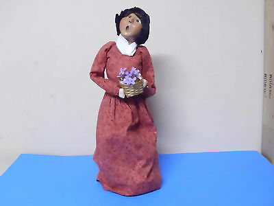 Byers Choice Williamsburg Doll Figure Lady Holding Basket Of Flowers 2002