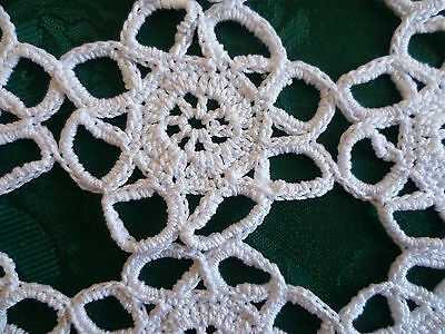 VINTAGE HAND CROCHETED WHITE RECTANGULAR  DOILEY / PLACEMAT 36 cms x 23 cms