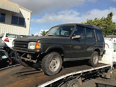 97 Land Rover discovery wrecking for parts