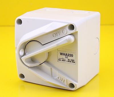 Clipsal WHA220 Surface Mount ON/OFF Isolating Switch 250Vac 20A 2P 1 Gang
