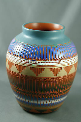 Navajo Etchware Pottery Jar Signed Marilyn Kinclichee Díné