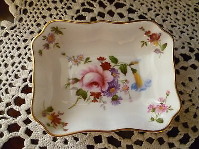 BEAUTIFUL ROYAL CROWN DERBY POSIES SMALL DISH 9cms x 7cms  MADE IN ENGLAND