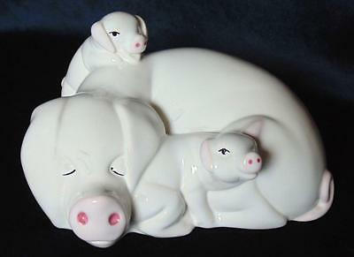 "Beswick Pig & Piglets ""hide And Seek"" Ll3 Little Likables"