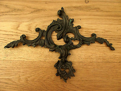 STUNNING LARGE ANTIQUE FRENCH ORMOLU ROCOCO CREST - c1900