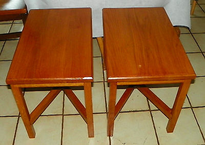Pair of Solid Oak Side Tables /  End Tables   (T511)