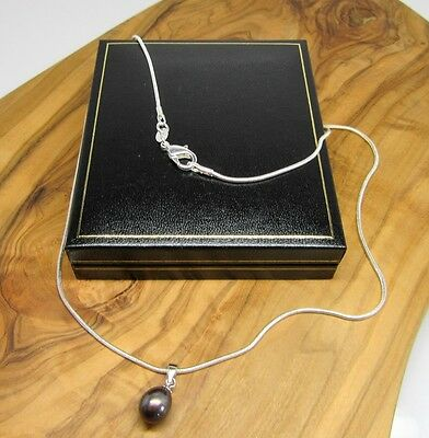 18 ' black real freshwater pearl pendant necklace, silver chain in gift box