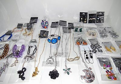 Closeout 100 Pieces Assorted Fashion Jewelry Wholesale Lot for Variety
