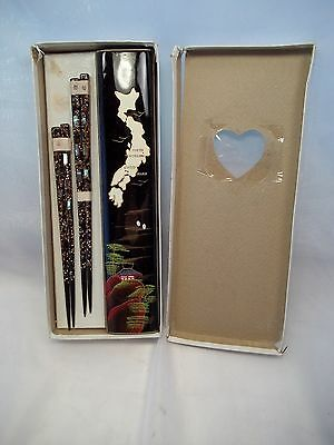 Vintage Chopstick set Mother Of Pearl inlay abalone black lacquer box Japanese