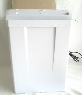 New In Box HSM 70.2 Strip Cut Paper Shredder 3.7 Gallon Office Industrial 110vac
