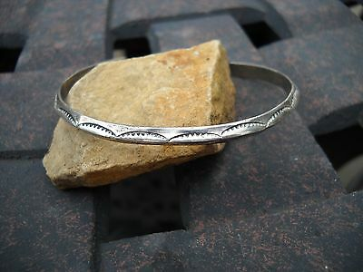 Vintage NAVAJO Cuff Bracelet Etchings Beautiful ! CLARENCE LEE SIGNED RARE