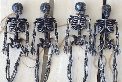 Dangling Skeleton Garland Halloween Decoration
