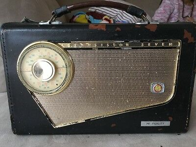 AWA Hi Fidility Medium frequency transistor Radio    (About 1970)