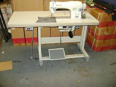 Singer 191D-30 Single Needle Industrial Sewing Machine W/ Table And 110 V Motor