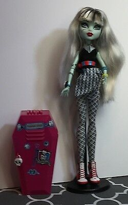 Monster High Home Ick Frankie Stein Doll WTH Accessories  Collectible Gift