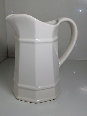 Pfaltzgraff Heritage white 32 ounce octagonal pitcher