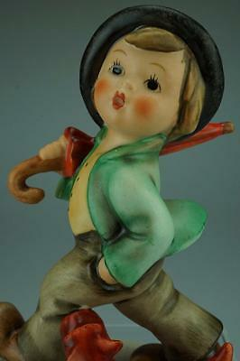 M.I. Hummel Goebel Strolling Along #5 TMK6 Retired Figurine