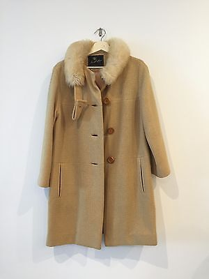 Vintage 60s womens coat with fur collar