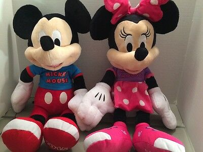 2015 Disney Mickey And Minnie Mouse Plush Matching Names On Shirt