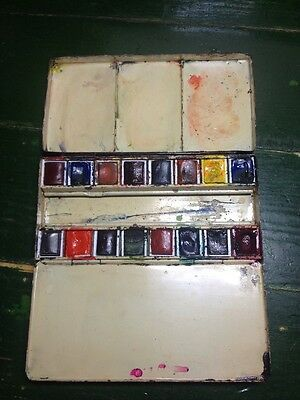 Vintage Newman of Soho Square watercolour travel box with 2 thumb rings, Rare