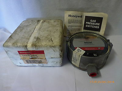 Honeywell C4376-1028 Gas/Air Pressure Switch 0.5-5psig 120-240VAC 120VDC New