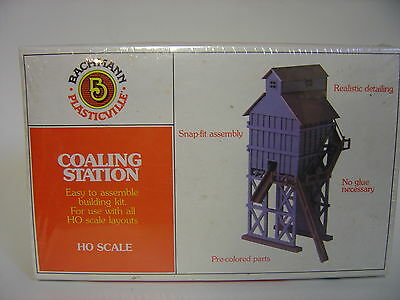 NEW HO scale Bachmann Coaling station  plasticville  kit