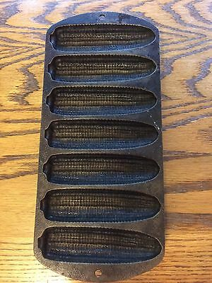 Vintage Lodge Cast Iron Corn Muffin Bread Stick Pan 7 molds 27C2 USA made