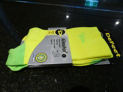 Defeet Aireator Socks - Yellow/green  Large